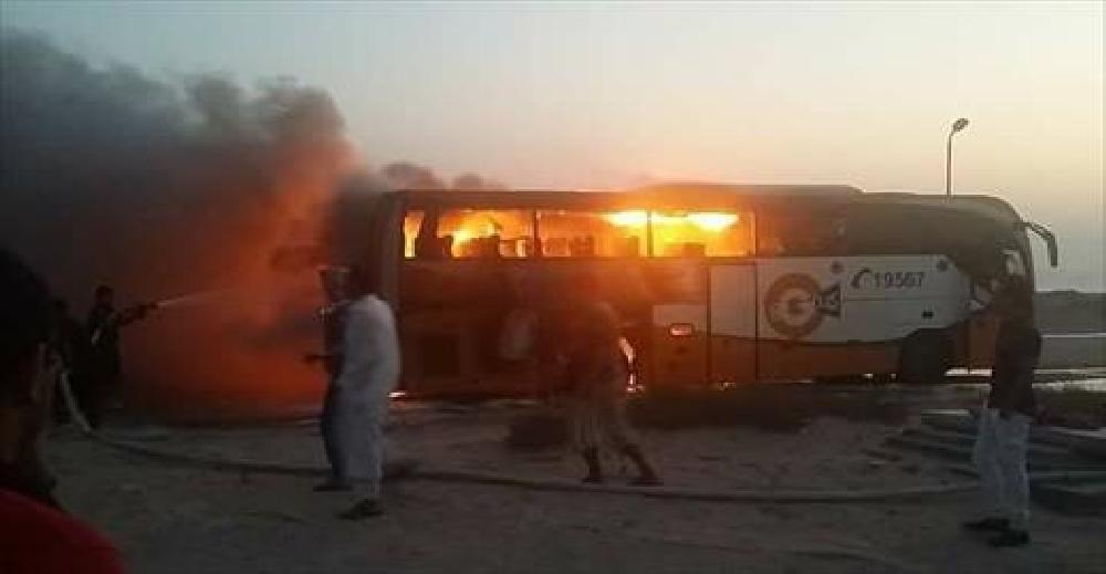 اشتعال النيران في حافلة سياحية على الطريق الدولي بجنوب سيناء